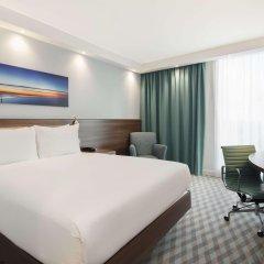 Отель Hampton by Hilton London Stansted Airport комната для гостей