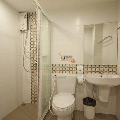 Отель Villa Cha Cha Rambuttri Бангкок ванная