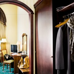 Гостиница Айвазовский сейф в номере