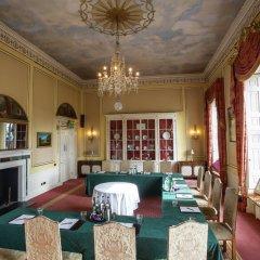 Отель Donnington Grove and Country Club развлечения