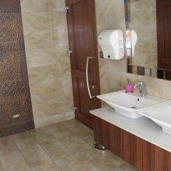 Sahi̇n Hotel Турция, Алашехир - отзывы, цены и фото номеров - забронировать отель Sahi̇n Hotel онлайн ванная