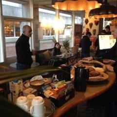 Отель Sleep-In Gellerup Дания, Орхус - отзывы, цены и фото номеров - забронировать отель Sleep-In Gellerup онлайн питание фото 2