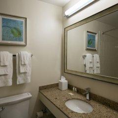 Отель Holiday Inn Lido Beach, Sarasota ванная фото 2