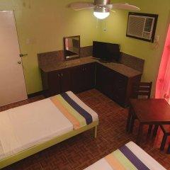 Отель Maribago Seaview Pension and Spa Филиппины, Лапу-Лапу - отзывы, цены и фото номеров - забронировать отель Maribago Seaview Pension and Spa онлайн удобства в номере фото 2