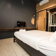 Отель Cloud On Saladaeng Бангкок сейф в номере