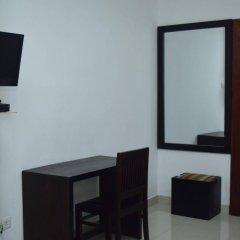 Отель ZEN Rooms Union Place Шри-Ланка, Коломбо - отзывы, цены и фото номеров - забронировать отель ZEN Rooms Union Place онлайн удобства в номере
