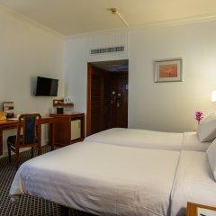 Отель The Tawana Bangkok Таиланд, Бангкок - 1 отзыв об отеле, цены и фото номеров - забронировать отель The Tawana Bangkok онлайн сейф в номере