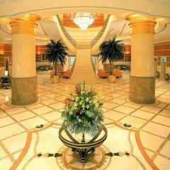Отель Hilton Sharjah ОАЭ, Шарджа - 10 отзывов об отеле, цены и фото номеров - забронировать отель Hilton Sharjah онлайн интерьер отеля фото 3