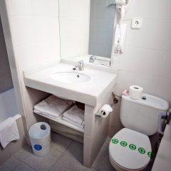 Hotel Subur ванная