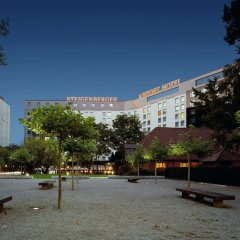 Steigenberger Airport Hotel пляж