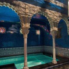 Hotel Manos Premier бассейн
