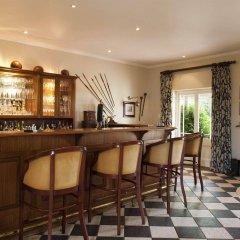 Отель River Bend Lodge гостиничный бар