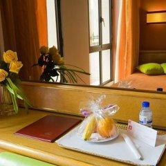 Отель Alif Campo Pequeno Лиссабон в номере