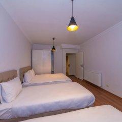 Отель Joy Suites комната для гостей