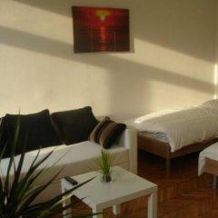 Апартаменты Vienna-apartment-one Halbgasse Вена комната для гостей фото 5