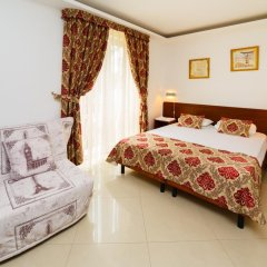 Гостиница Тристар комната для гостей