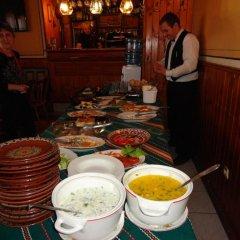 Отель Chuchura Family Hotel Болгария, Копривштица - отзывы, цены и фото номеров - забронировать отель Chuchura Family Hotel онлайн питание