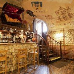 Отель A Plus Hotel and Hostel Чехия, Прага - отзывы, цены и фото номеров - забронировать отель A Plus Hotel and Hostel онлайн гостиничный бар