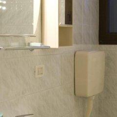 Отель Piccola Oasi Италия, Вигонца - отзывы, цены и фото номеров - забронировать отель Piccola Oasi онлайн ванная фото 2