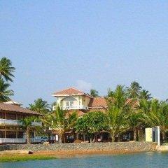 Отель Cocoon Sea Resort Шри-Ланка, Косгода - отзывы, цены и фото номеров - забронировать отель Cocoon Sea Resort онлайн пляж