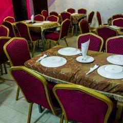 Отель Emglo Suites фото 2