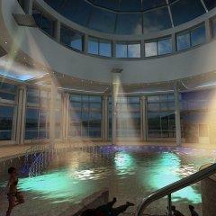 Гостиница Рамада Екатеринбург (Ramada Yekaterinburg) бассейн