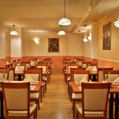 Отель Best Western Plus Hotel Meteor Plaza Чехия, Прага - 6 отзывов об отеле, цены и фото номеров - забронировать отель Best Western Plus Hotel Meteor Plaza онлайн питание