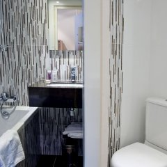 Отель Le Cardinal Париж ванная фото 2