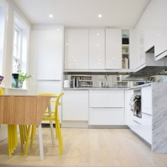 Апартаменты Modern and Spacious Belsize Park Apartment в номере