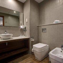 Отель Golden Tulip Vivaldi Hotel Мальта, Сан Джулианс - 2 отзыва об отеле, цены и фото номеров - забронировать отель Golden Tulip Vivaldi Hotel онлайн ванная фото 2