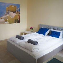 Отель Hostel Chmielna 5 Rooms & Apartments Польша, Варшава - отзывы, цены и фото номеров - забронировать отель Hostel Chmielna 5 Rooms & Apartments онлайн комната для гостей фото 2