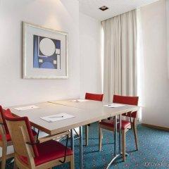 Отель Holiday Inn Express Geneva Airport детские мероприятия фото 2
