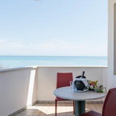 Отель Grand Hotel Adriatico Италия, Монтезильвано - отзывы, цены и фото номеров - забронировать отель Grand Hotel Adriatico онлайн балкон