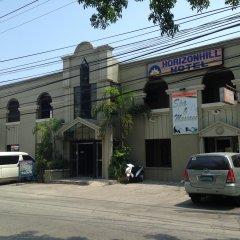 Отель Horizon Frontier Hotel Филиппины, Пампанга - отзывы, цены и фото номеров - забронировать отель Horizon Frontier Hotel онлайн парковка