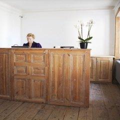 Отель Hellstens Malmgård интерьер отеля