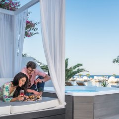 Отель Mediterranean Beach Palace Hotel Греция, Остров Санторини - отзывы, цены и фото номеров - забронировать отель Mediterranean Beach Palace Hotel онлайн бассейн фото 3