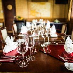 Отель Bhaya Cruises Халонг питание