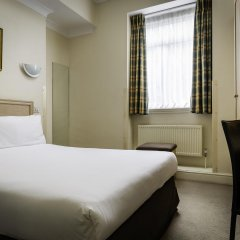 Отель Henry VIII комната для гостей