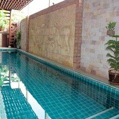 Отель Chang Charlie Inn Таиланд, Паттайя - отзывы, цены и фото номеров - забронировать отель Chang Charlie Inn онлайн бассейн фото 3