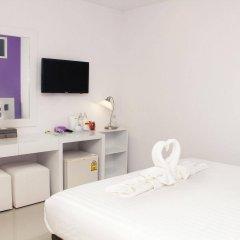 Отель The Frutta Boutique Patong Beach удобства в номере