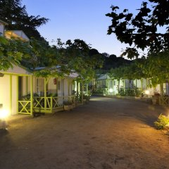 Отель Camping Bungalows El Far парковка