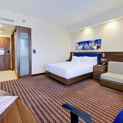 Гостиница Hampton by Hilton Волгоград Профсоюзная комната для гостей фото 4