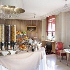 Отель Hôtel de Banville Франция, Париж - отзывы, цены и фото номеров - забронировать отель Hôtel de Banville онлайн питание фото 2