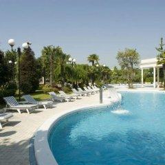 Отель La Residence & Idrokinesis Италия, Абано-Терме - 1 отзыв об отеле, цены и фото номеров - забронировать отель La Residence & Idrokinesis онлайн бассейн фото 2