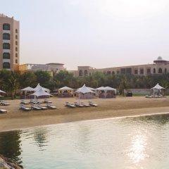 Traders Hotel Qaryat Al Beri Abu Dhabi, by Shangri-la бассейн фото 2
