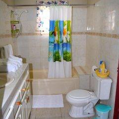 Отель Cozy Comfort Inn ванная