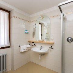 Hotel Alpina Пинцоло ванная