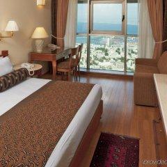 Crowne Plaza Haifa Израиль, Хайфа - отзывы, цены и фото номеров - забронировать отель Crowne Plaza Haifa онлайн комната для гостей фото 3