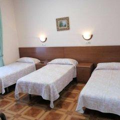 Отель Hostal Zamora Испания, Мадрид - отзывы, цены и фото номеров - забронировать отель Hostal Zamora онлайн комната для гостей