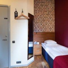 Отель Rex Petit сейф в номере